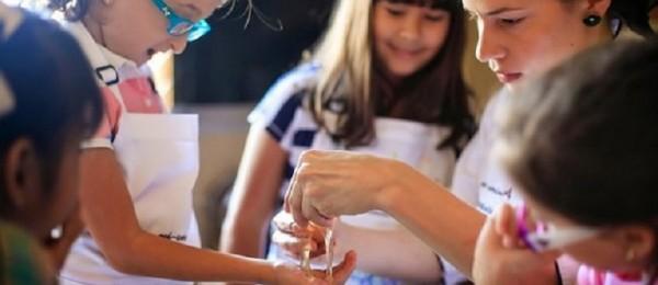 Organizan primer taller de cocina y pastelería inclusiva