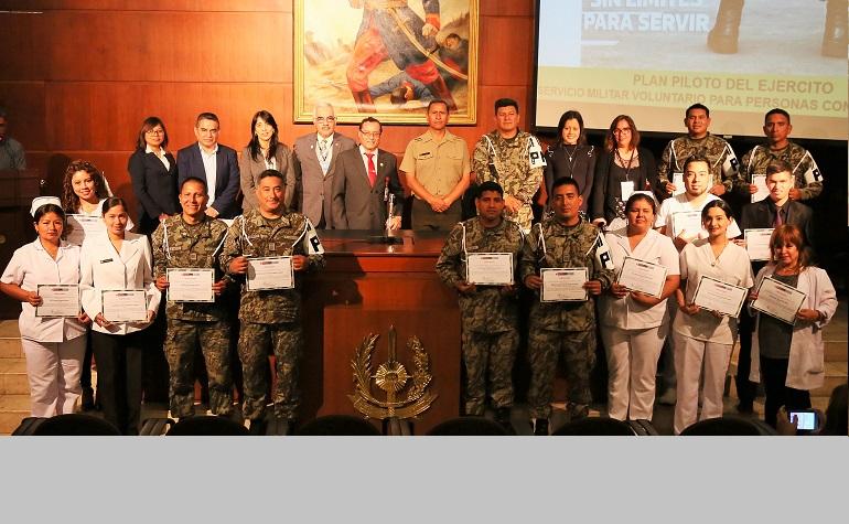 Clausuran capacitaciones a personal del Ejército del Perú